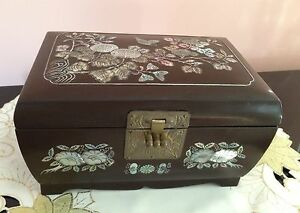 Vtg Asian Wood ABALONE Inlay Flower Butterfly Jewelry Box Red