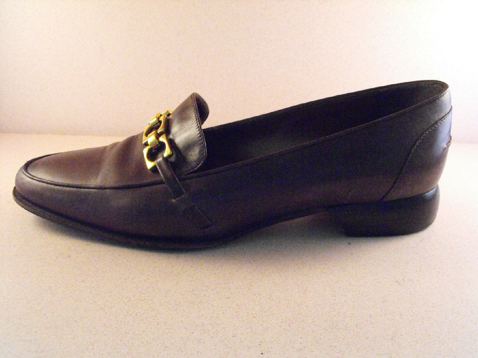Stylish COLE COLE COLE HAAN (Italian) Dark marron Loafers w Brass Link Accents  7.5B 4dc1b9