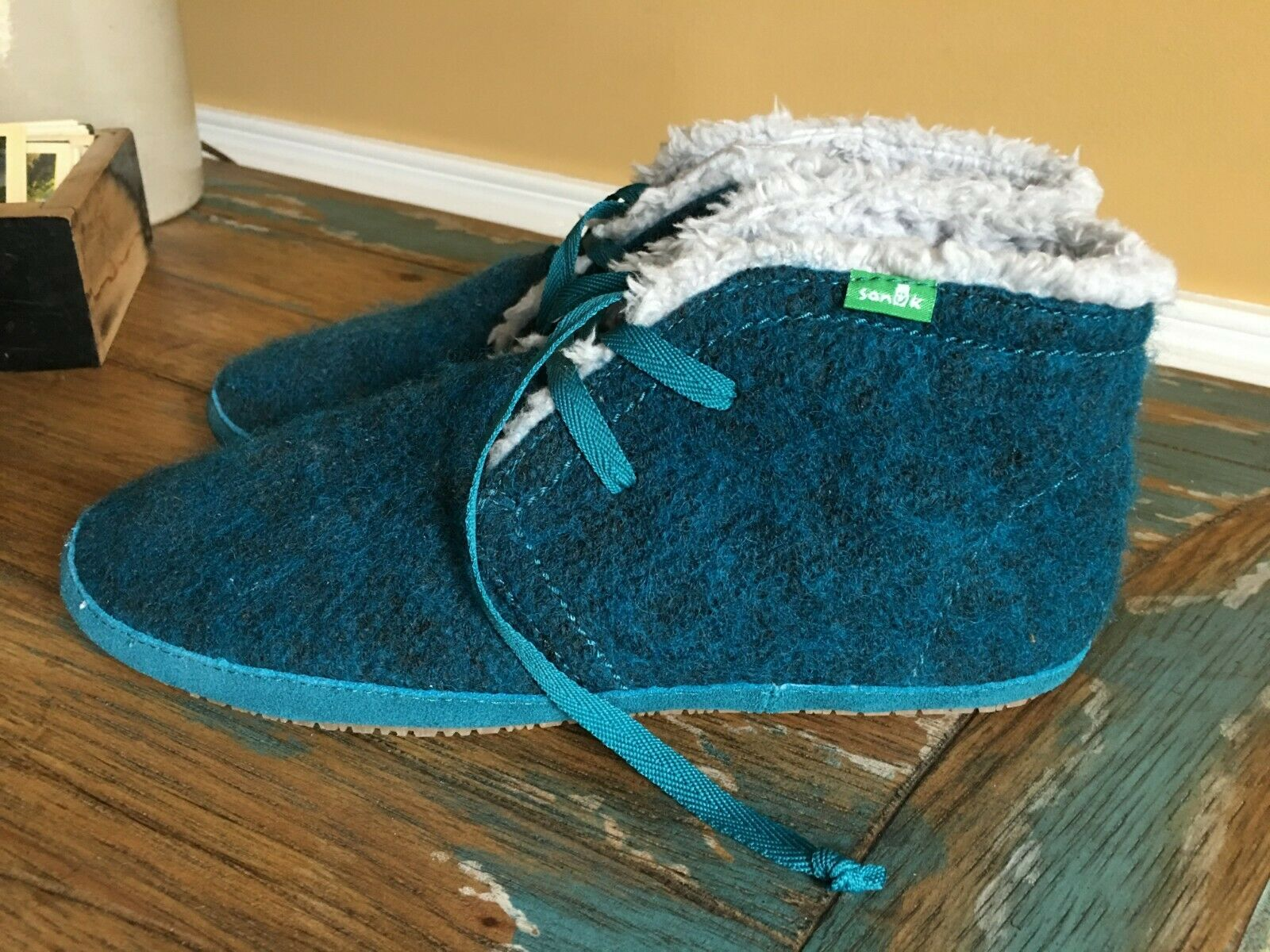 NEW Sanuk Teal Wool Chukka Boots shoes Womens 8