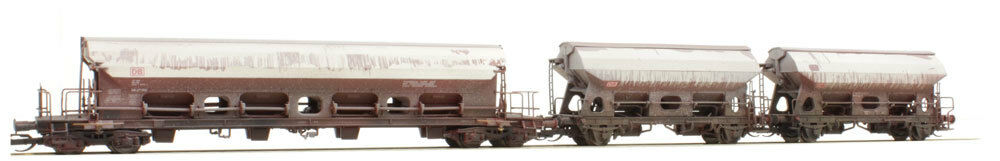 Tillig TT scale Set of 3 coverosso Hopper cars. Factory weatherosso DB-AG