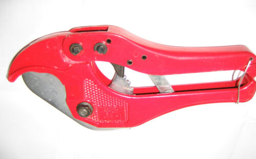PVC Irrigation Pipe Cutters cuts up to 42mm