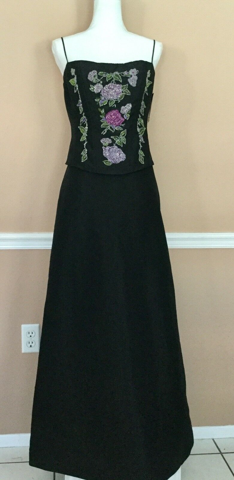 Nicole Miller schwarz Satin Floral Beaded Spaghetti Strap Evening  Gown  Dress 10