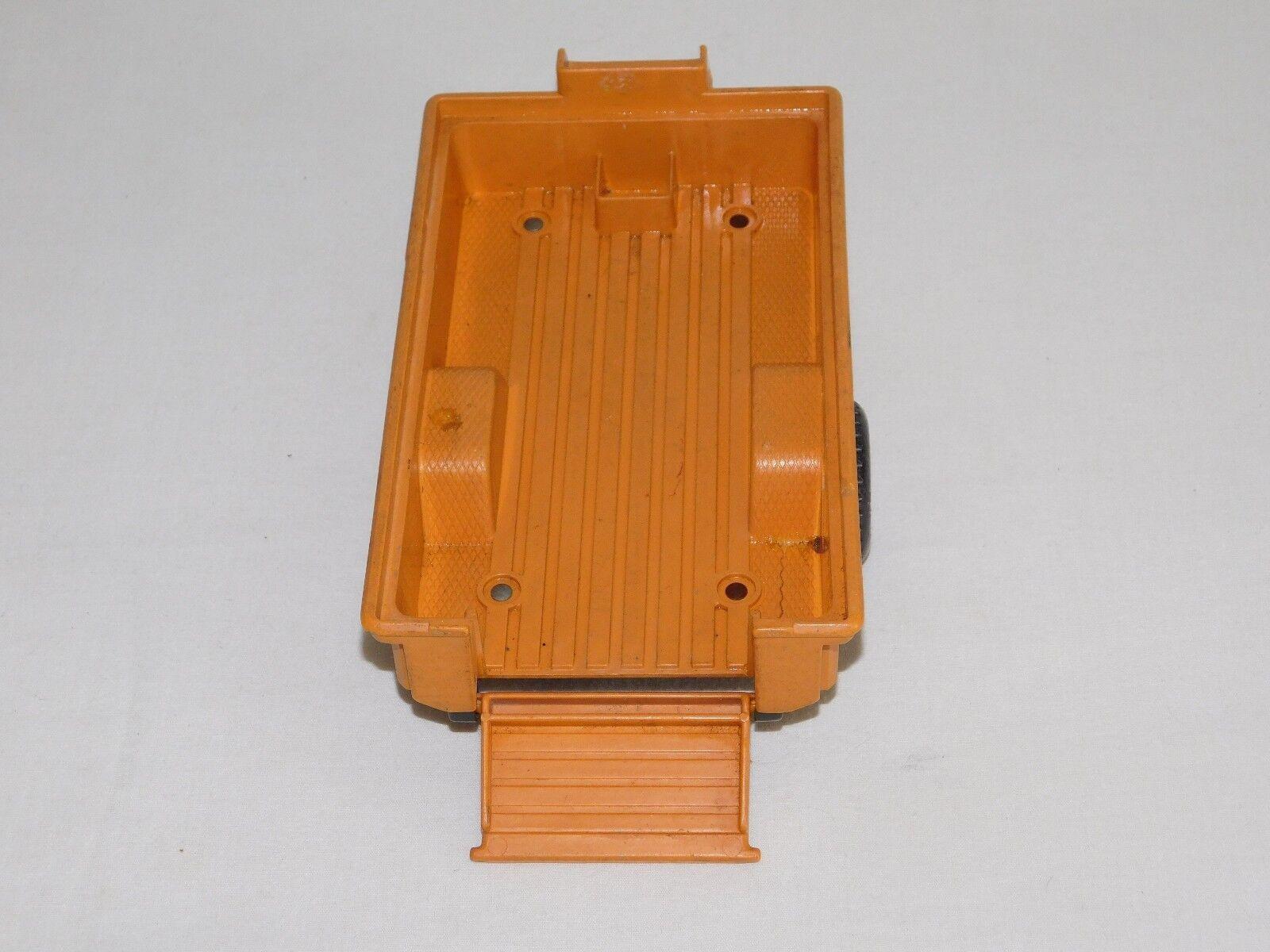 VINTAGE TOY 9 1 2  LONG FISHER PRICE PLASTIC PLASTIC PLASTIC SAFARI TRAILER 17d38d