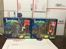 2 1998 Dreamworks Toy Island Toonsylvania Dr. Vic's Electron Chair Playset