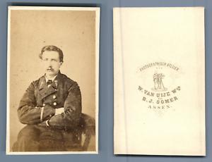W-Van-Uije-Assen-officier-a-identifier-CDV-vintage-albumen-Tirage-albumine