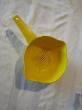 Tupperware yellow gold colander strainer sieve hole for handle 1 qt bowl 1200-9
