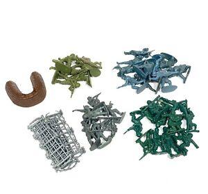 Vintage-Mixed-Plastic-Toy-Soldier-Troop-Bundle-80s-Military-Army-Men-Kids