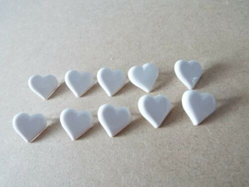 10 x Cute White Heart Shape Baby Novelty Plastic Shank Buttons F26