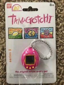20th Anniversary Series 3 TAMAGOTCHI - Pink NEW Virtual Pet Bandai FREE SHIPPING