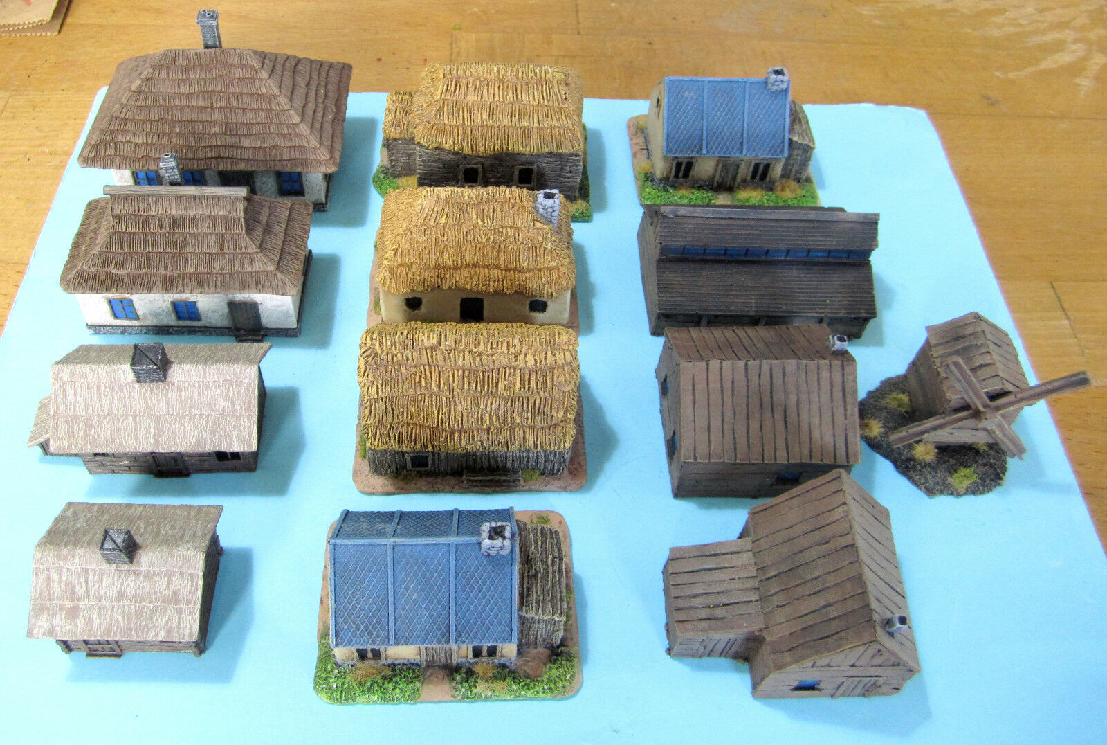 10 mm painted WWII houses. Russian Front.