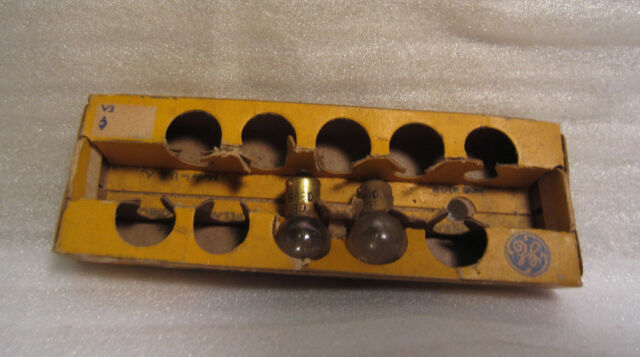 Box of 10 General Electric Napa GE 1895 GE1895 Miniature Lamps Light Bulbs 12V