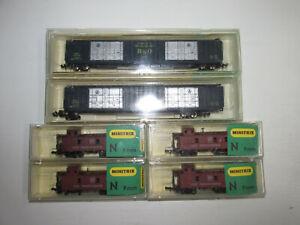 Minitrix-2-x-amerikanische-Gueterwagen-3315-4-x-Caboose-3273-OVP-Spur-N