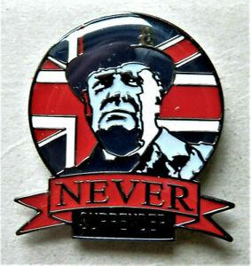 W.W.2 NEVER SURRENDER WINSTON CHURCHILL BRITISH ENAMEL PIN BADGE UNION JACK FLAG