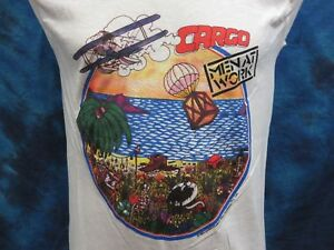 NOS-vintage-1983-MEN-AT-WORK-CARGO-TOUR-MUSCLE-T-Shirt-SMALL-rock-concert-80s