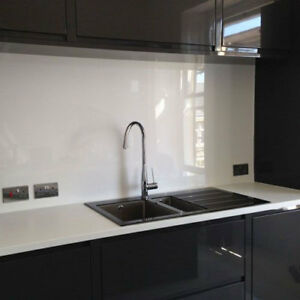 Clear-Acrylic-Plastic-Easy-Wipe-Splashback-Kitchen-Bathroom-Shower-Splash-Guard
