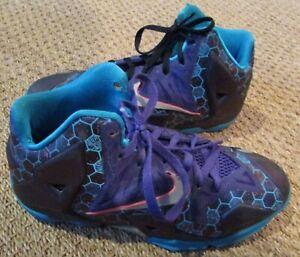 Nike-LeBron-XI-11-Basketball-Shoes-Court-Purple-Silver-621712-500-Sz-6Y