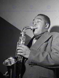 VINTAGE-PHOTO-PORTRAIT-SAX-PLAYER-CHARLIE-PARKER-BIRD-POSTER-ART-PRINT-BB12399B
