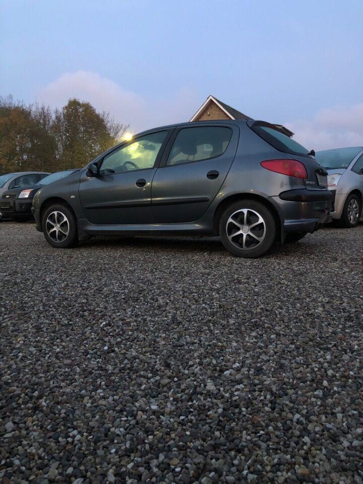 Peugeot 206 1,4 HDi X-Line Diesel modelår 2006 km 253000