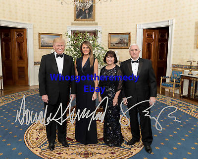 """8X10 PHOTO SP289 DONALD TRUMP /& MIKE PENCE w// /""""CONAN/"""" MILITARY WORKING DOG"""