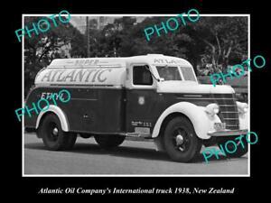 OLD-POSTCARD-SIZE-PHOTO-OF-ATLANTIC-OIL-COMPANY-PETROL-TANKER-c1938-NZ