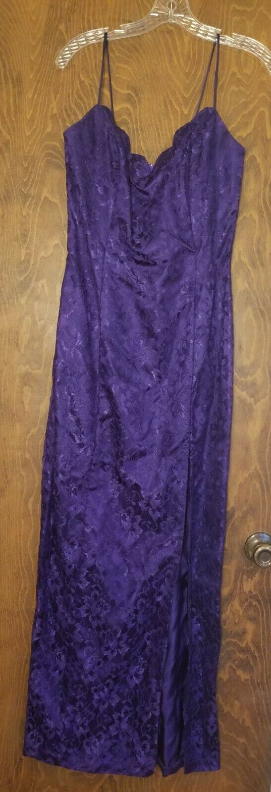 L A GLO Purple Evening Party Prom Spaghetti Straps Full Length Slit Fitted 9/10