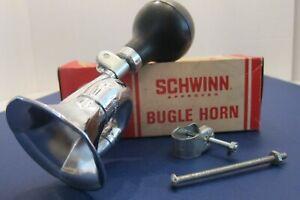 Vintage-NEW-1969-Schwinn-Bicycle-034-BUGLE-HORN-034-Fastback-Stingray-No-05-001