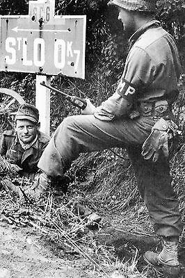 Parachutiste  allemand prisonnier des Américains WW2 Saint-Lô Juillet 1944