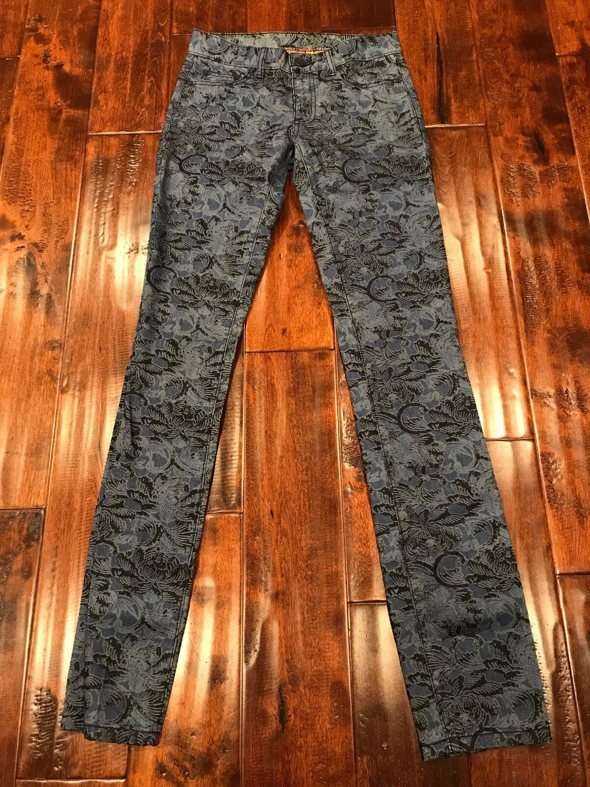 Tory Burch  Ivy Super Skinny  bluee Floral Print Jeans, Size 24, NWT