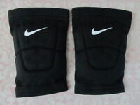 Nike Dri-Fit Volleyball Knee Pads One Pair Black Size Adult Large - New
