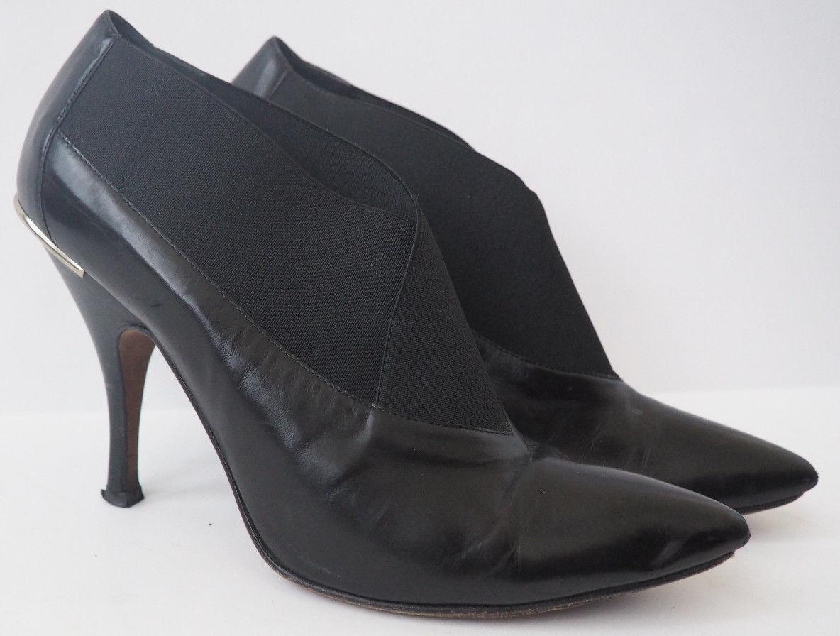 WOW - DONALD J PLINER Valen Black Leather Bootie Heel Pump Boot - 8.5