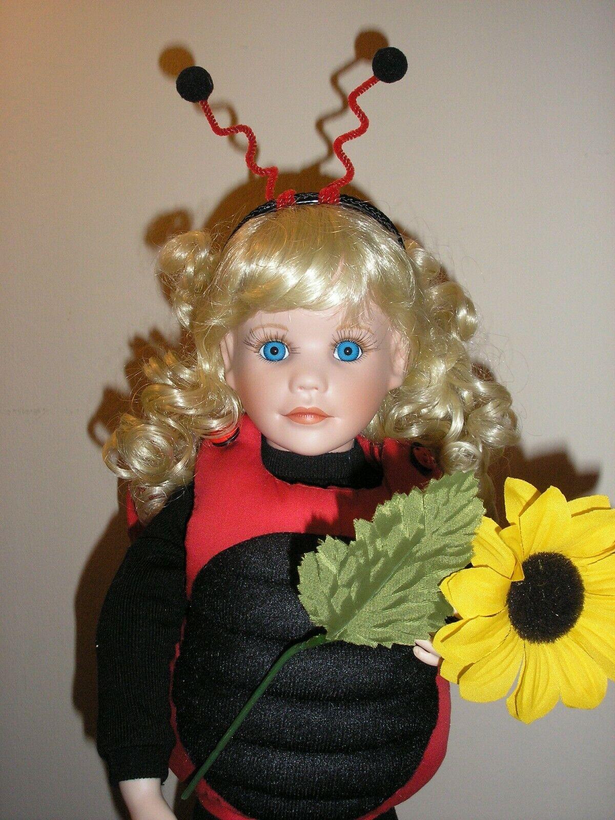 Hamilton Collection-Little Mariquita-Muñeca De Porcelana