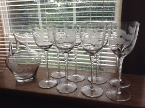 Stunning-cut-glass-crystal-8-long-stem-wine-glasses-with-Carafe-Decanter