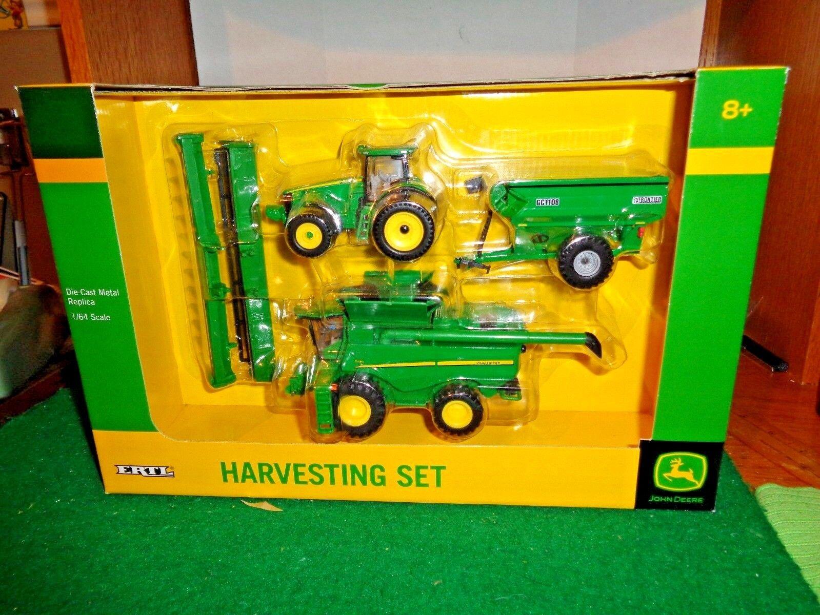 Ertl John Deere Harvesting Set in 1 64 Scale