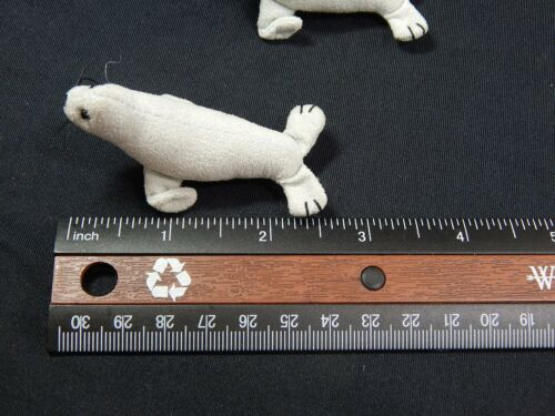"""Set #5043 Collectible Seal World of Miniature Bears 2.5/"""" Suede Seal 2 pc"""