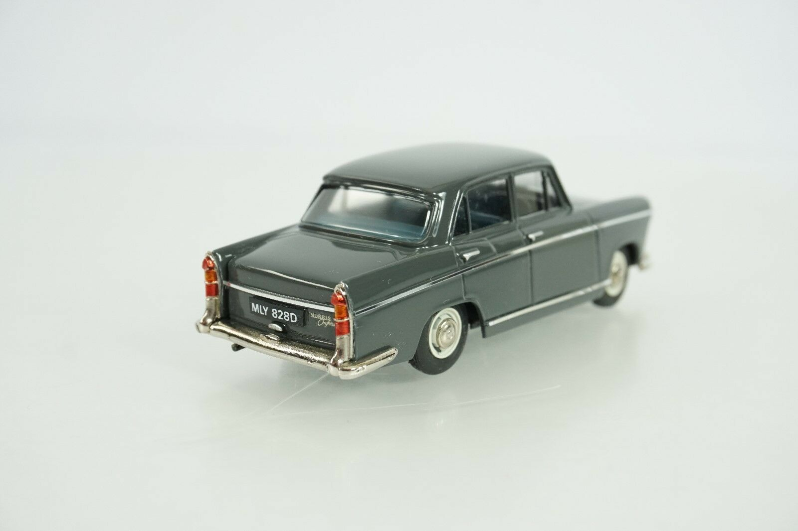 Pathfinder Models Die Cast Cast Cast 1966 Morris Oxford Item No. 13 New VERY NICE b0855f