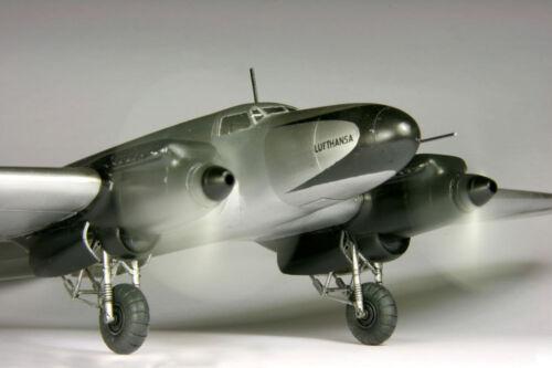 Roden 009-1 //72 He-111C  German bomber airplane Heinkel WWII Lufthansa