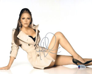 KATHARINE-MCPHEE-SIGNED-AUTOGRAPHED-8x10-PHOTO-VERY-SEXY-PRETTY-BECKETT-BAS