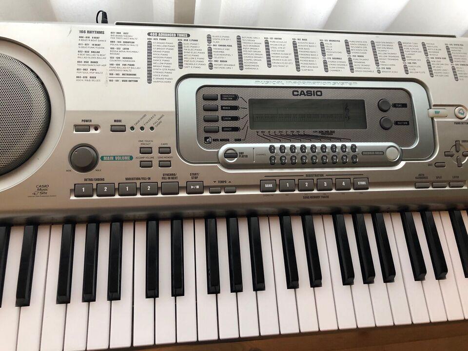 Keyboard, Casio WK 3300