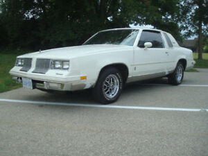 1985 Oldsmobile Cutlass  Supreme *MINT CONDITION*
