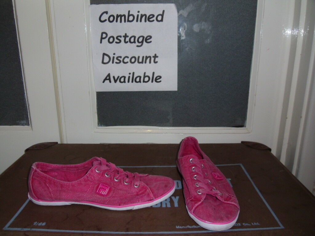 FILA Faded Red Shoes or Pink Canvas Trainers Deck Shoes Red Size 5 d97b3f