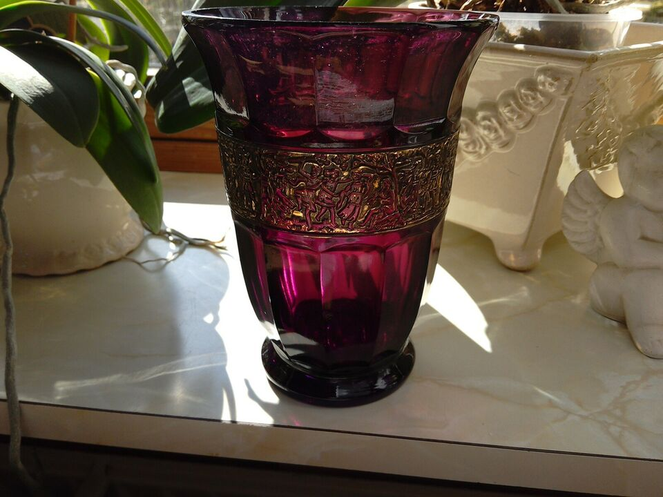 Glas, Art Deco vase i ametyst glas.