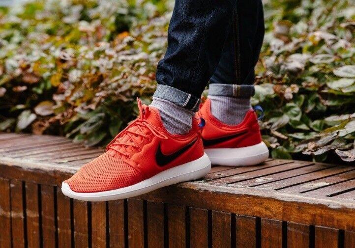 Nike ROSHE TWO RUNNING TRAINER 844656-800, UK9.5 US10.5 UK9 US10