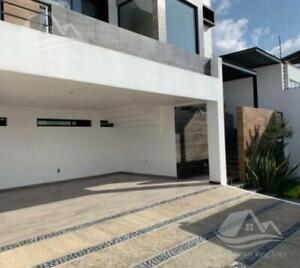 Casa en Venta en Bugambilias Residencial 2da. Sección Zapopan Jalisco