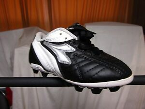 a6db4a2e1 Youth Soccer Cleats Diadora Calcio MD Black/White & Pink/Grey Medium ...