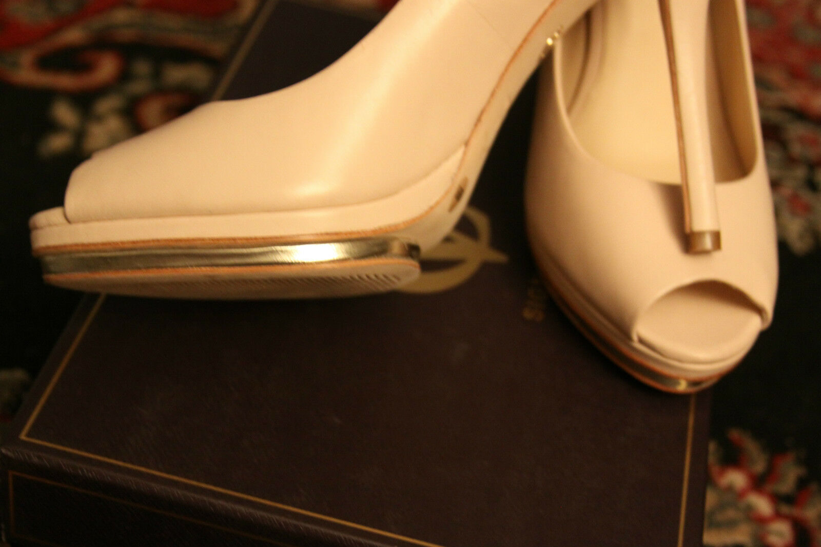 VINCE CAMUTO TOE SIGNATURE VI-AMOUR NUDE PEEP TOE CAMUTO NATURAL CALF HEELS SIZE 10M 5fedc1