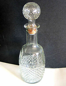 Clear-Glass-Cross-Hatch-Decanter-Bottle-Mogen-David-Wine-1982-w-stopper-FREE-SH