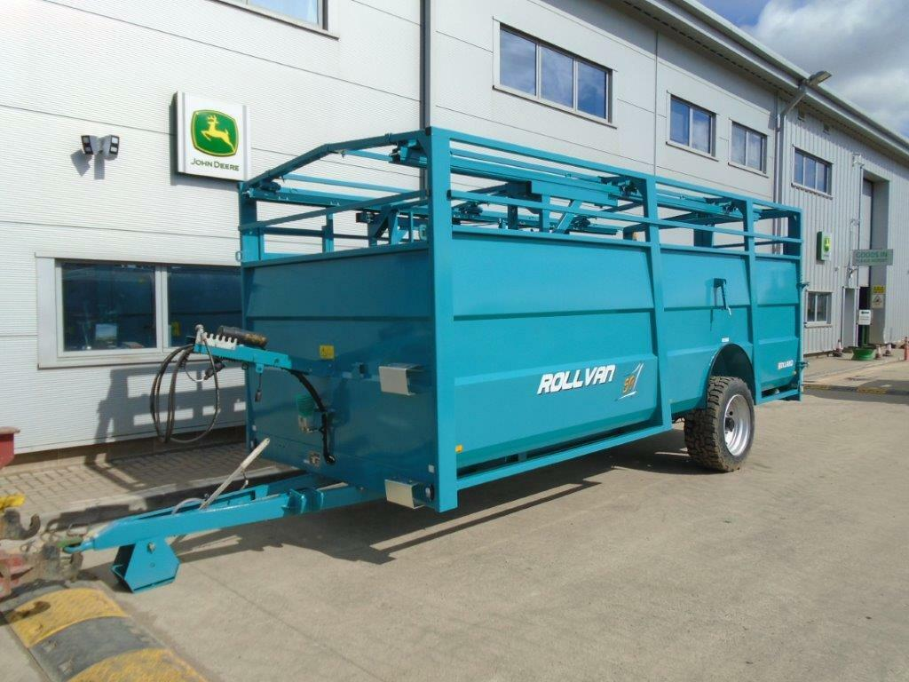 NEW Rolland RV59 Livestock Trailer Hydraulic Lowering Gates Partition Cattle