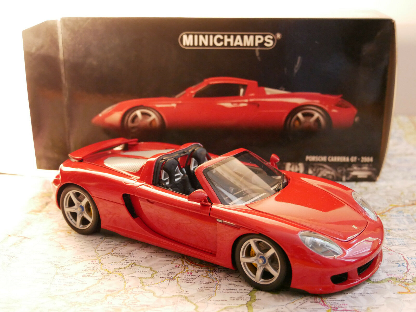MINICHAMPS PORSCHE CARRERA GT rojo 2004  ART. 100062630  1 18 NEW