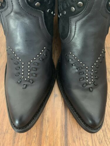 Women's Corral Ankle Boots Black With Zipper With Studs Handcrafted Size 7 E1452