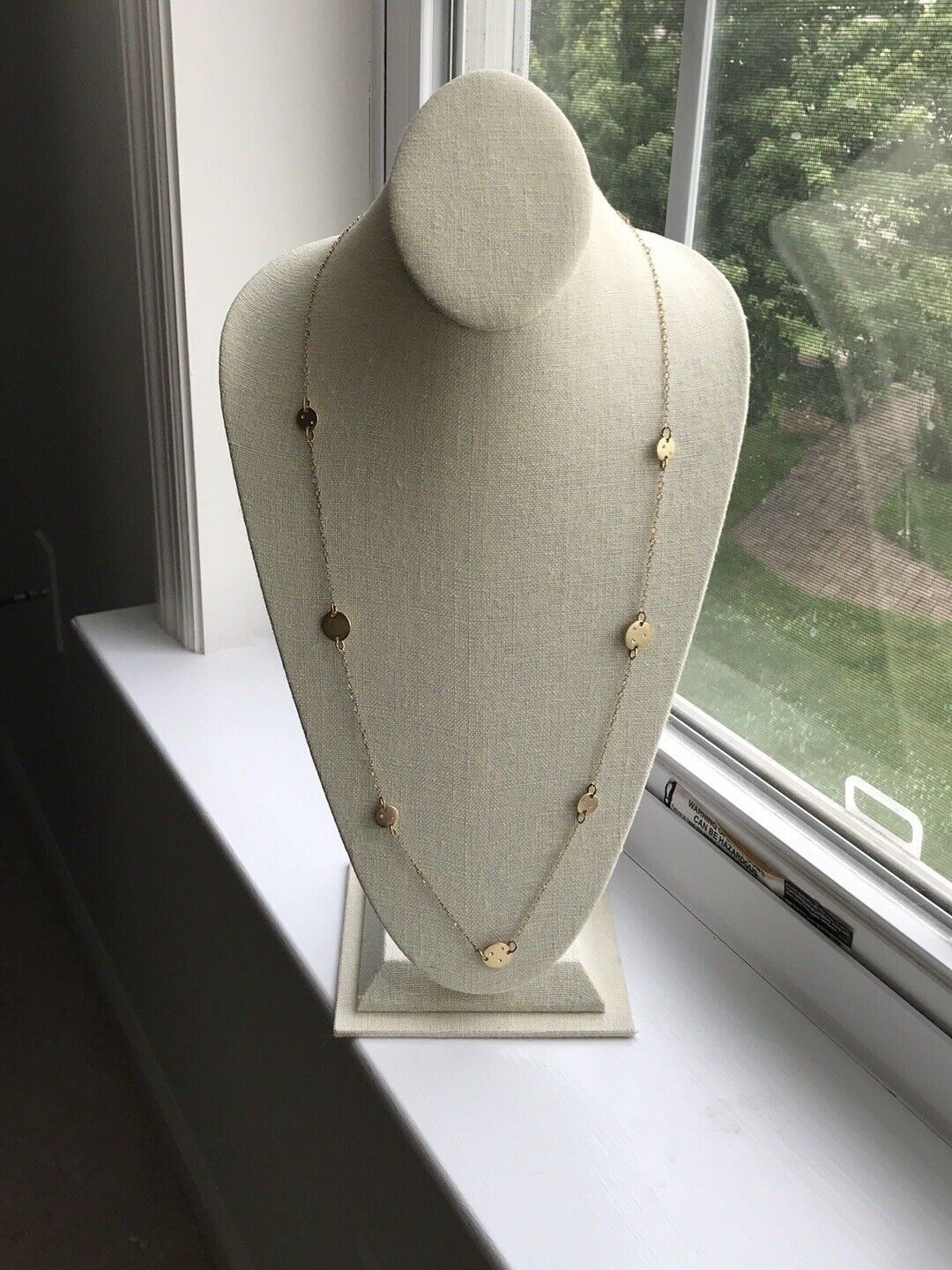 American Eagle Outfitters 15 in gold tone necklace with small round circles